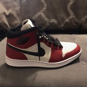 Shoes - Air Jordan Series 1